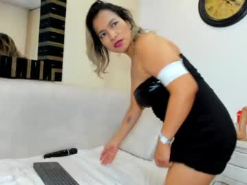 [16-10-21] jloo_ public show from Chaturbate.com