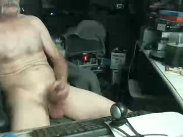 [15-10-19] farmboy4u public show from Chaturbate