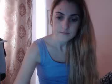 [12-12-18] hottiefoxyfox record cam video from Chaturbate
