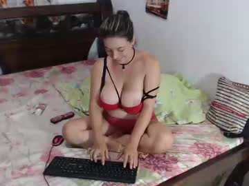 [20-03-19] itzykardashan public show from Chaturbate