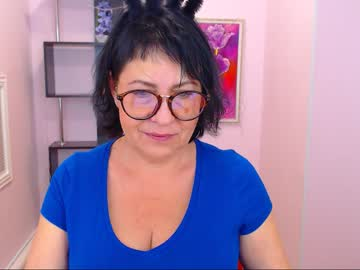 [18-12-18] lindahottie record webcam video from Chaturbate
