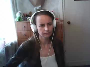 [18-10-19] dorothylime public webcam video from Chaturbate.com