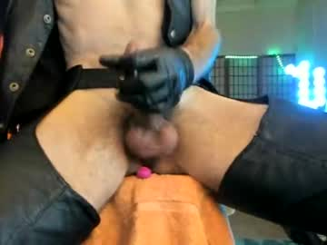 [19-06-20] leatherdude69 private show